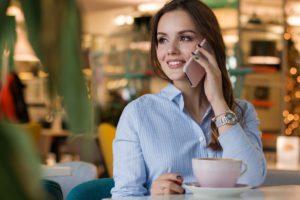 ortodoncia invisible sonrisa mujer invisalign
